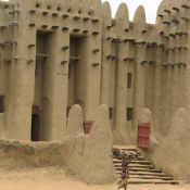 The famous mud mosque of Djenne, 2007