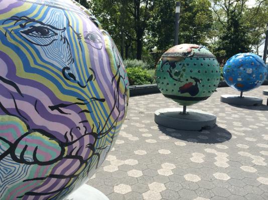 Globes 3